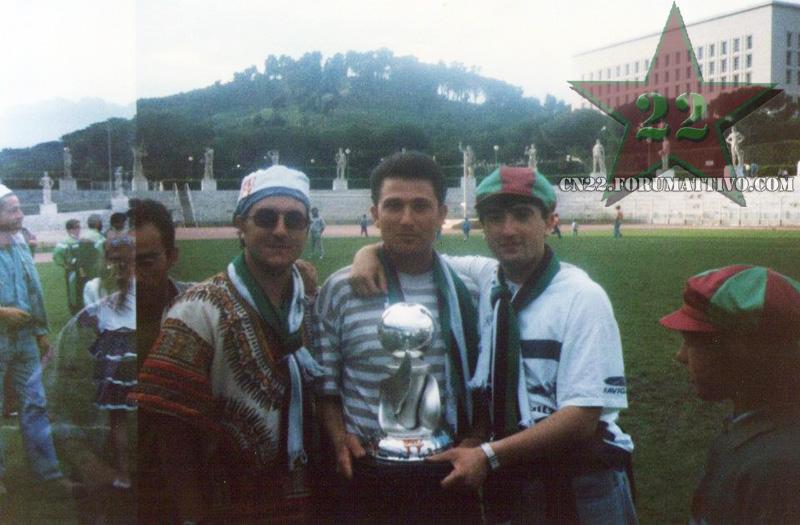 Foto tifo anni '90 D12