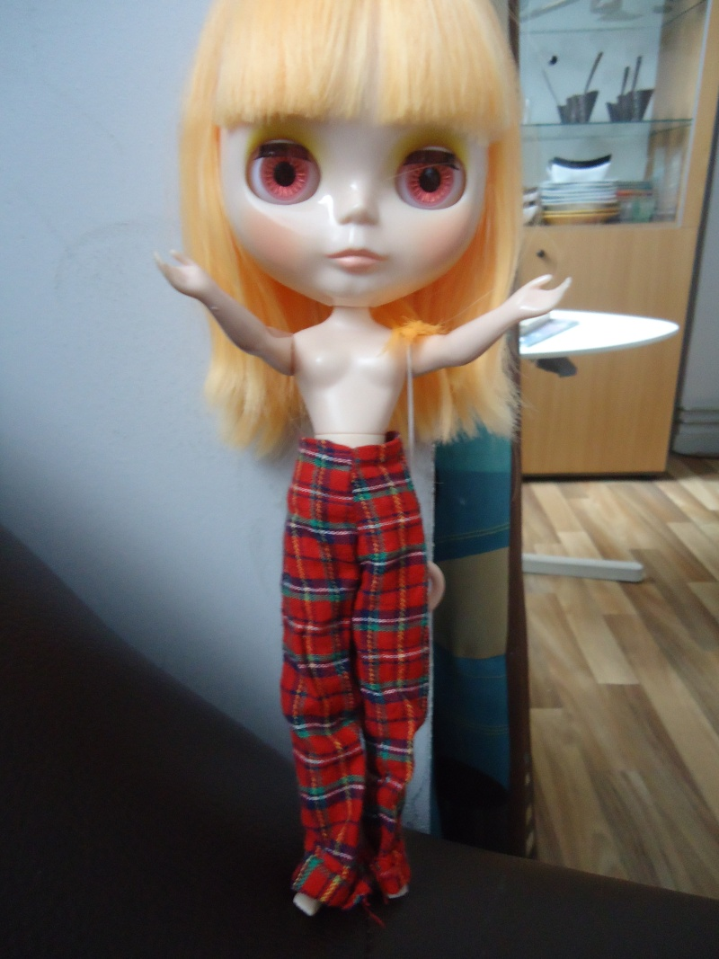 outfit Blythe vs Barbie, la réponse Dsc00811