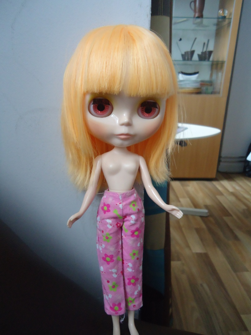 outfit Blythe vs Barbie, la réponse Dsc00814