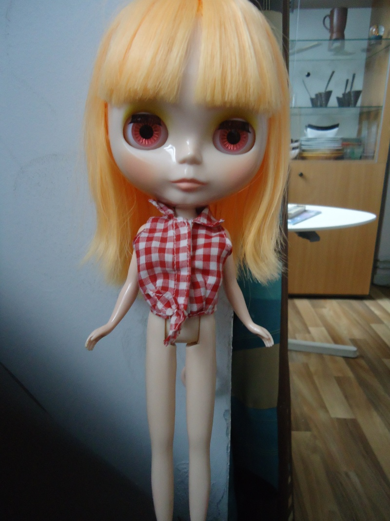 outfit Blythe vs Barbie, la réponse Dsc00815