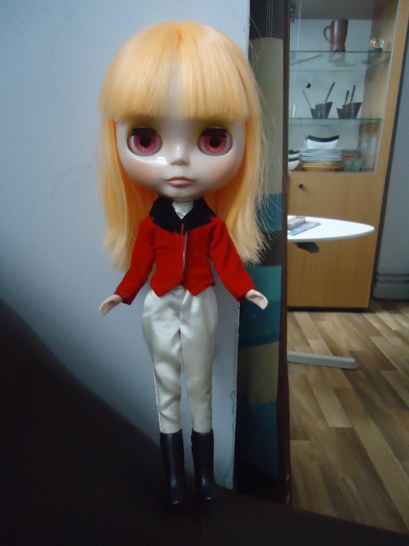 outfit Blythe vs Barbie, la réponse Dsc00820