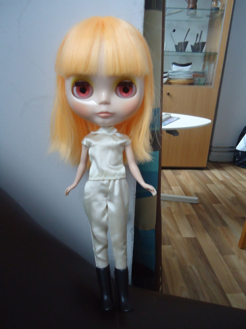 outfit Blythe vs Barbie, la réponse Dsc00821