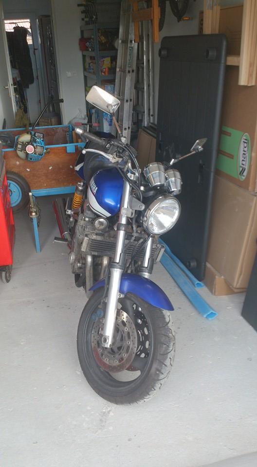 Une bleu, oui une bleu 13435510