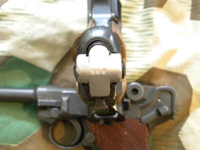 Réflexions sur la production de pistolets Luger P 08, par Mauser, en 1945-1946. - Page 3 Fond_510