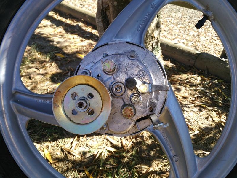 problème roue arrière Img_2011