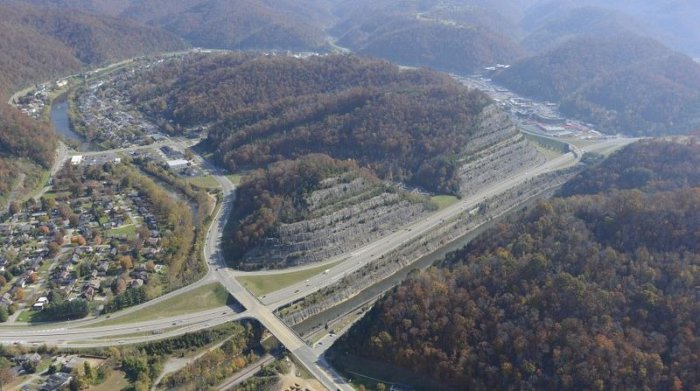 """Le """"Cut-Through"""" de Pikeville : ou comment la volonté d'un homme a déplacé une montagne... 14470410"""