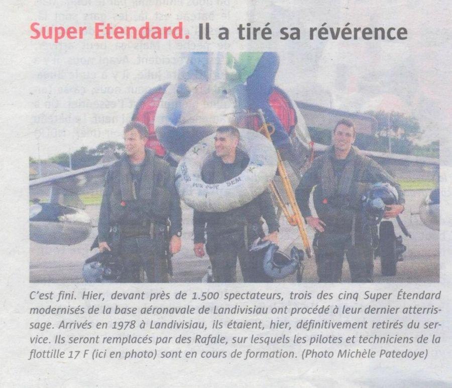 [DIVERS B.A.N.] L'adieu au Super Étendard à Landivisiau 156