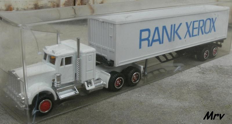 N°604 Kenworth + semi remorque container  ( version lisse ) Dscf9324