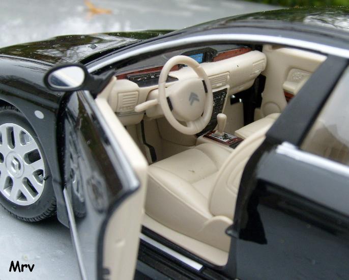 C6 2005 Burago 1/20 S6300412
