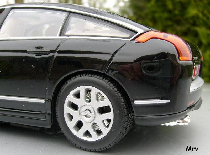 C6 2005 Burago 1/20 S6300414
