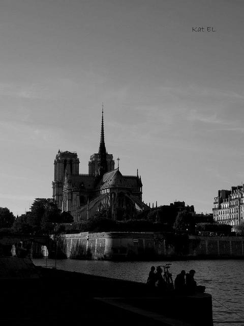 Paris sombre... 111