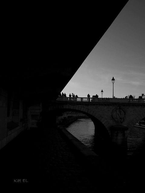 Paris sombre... 410