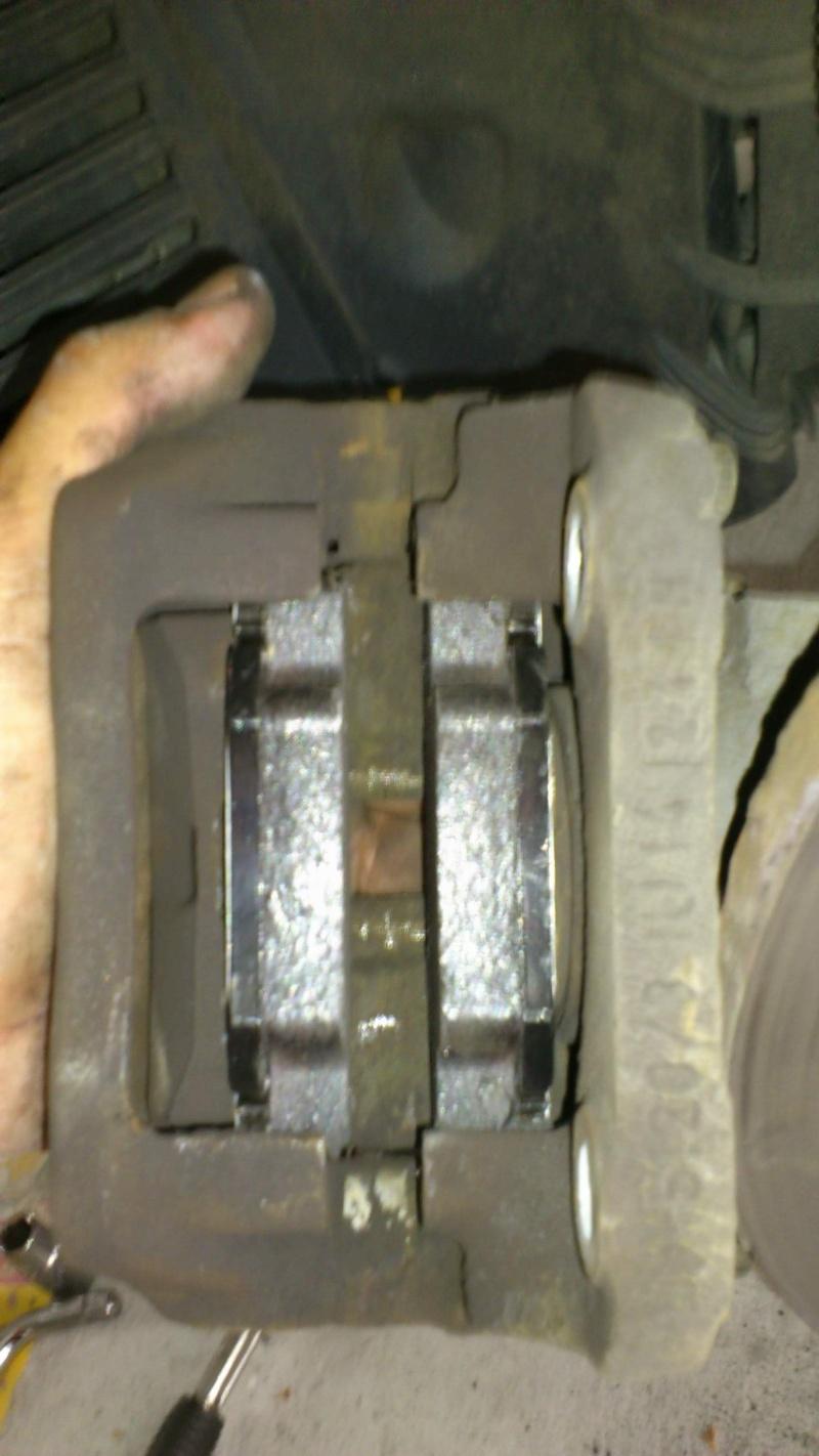 [ Renault twingo ] Remplacement plaquettes de frein ( TUTO ) 1011