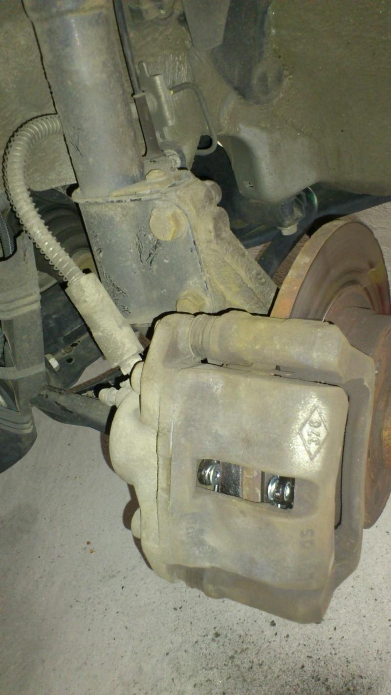 [ Renault twingo ] Remplacement plaquettes de frein ( TUTO ) 1210