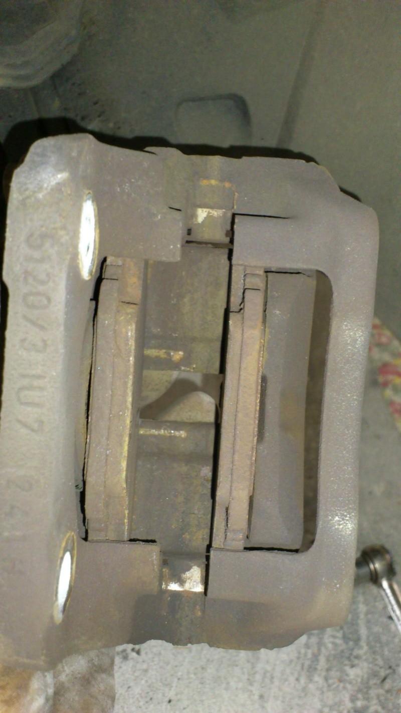 [ Renault twingo ] Remplacement plaquettes de frein ( TUTO ) 910