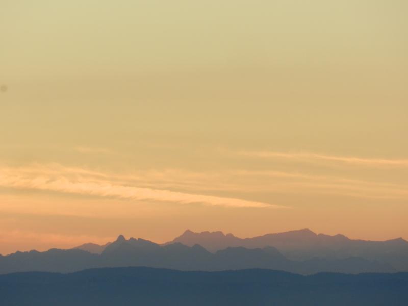 Lever de soleil sur les Alpes  Marcla16