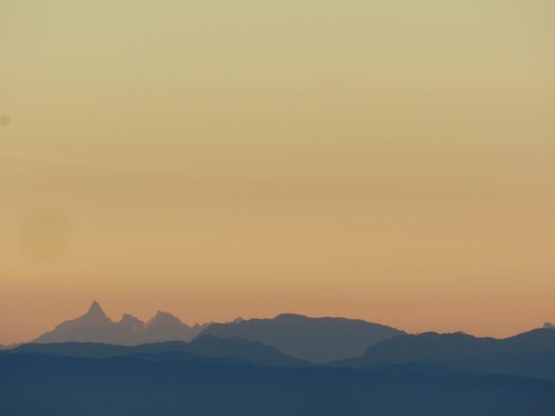 Lever de soleil sur les Alpes  Marcla18