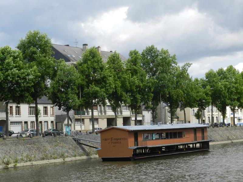 Bateaux-lavoirs de Laval Vauvyr14