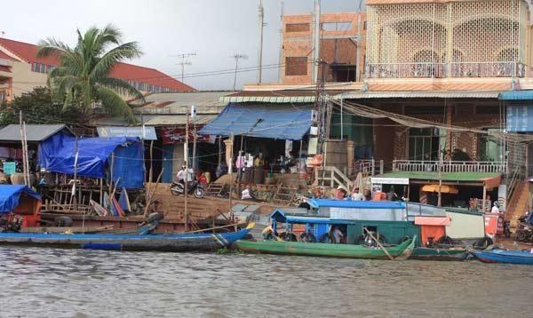 Le Cambodge, à savoir ... Port-k10