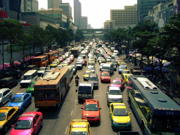 Bangkok aujourd'hui - Page 6 Traffi10