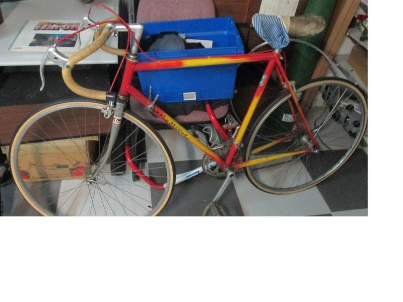 Vélo repeint à identifier Img_0712