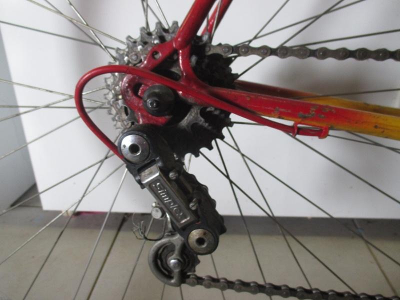 Vélo repeint à identifier Img_0714