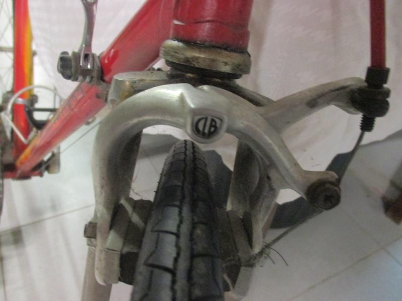 Vélo repeint à identifier Img_0718