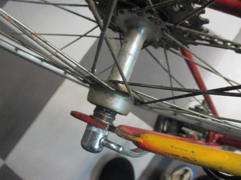 Vélo repeint à identifier Img_0721