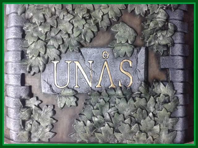 création buste UNAS taille 1/1non juste le socle à créer Hplaqu10