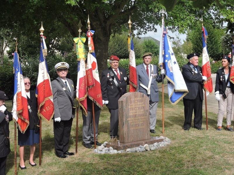 11 Août 2015 - Cérémonie à la mémoire du Sous Lt B. d ' Arcanques . Dscn9310