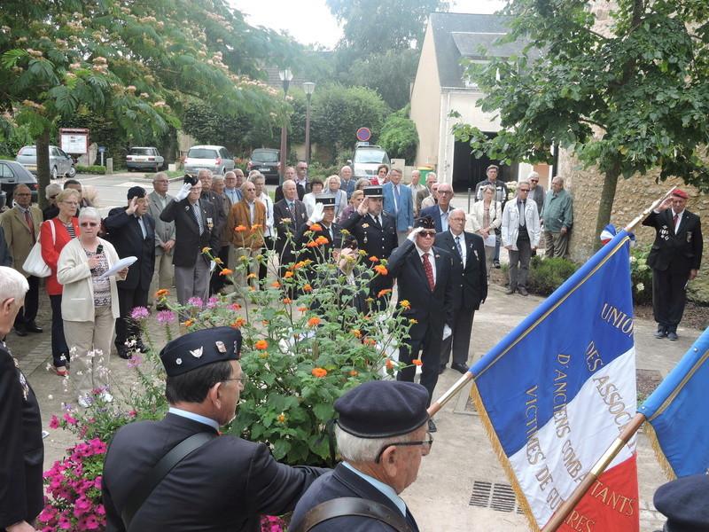 11 Août 2015 - Cérémonie à la mémoire du Sous Lt B. d ' Arcanques . Dscn9317