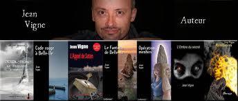 Rencontre avec Jean Vigne l'auteur de Désolation: Le dernier vampire et du roman Jeis aux éditions du Petit Caveau. Jean_v10
