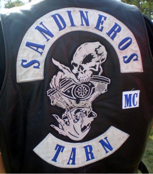 Couleurs des differents clubs de bikers - Page 16 42265210