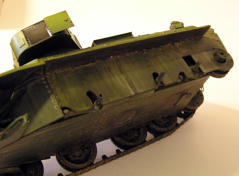Soviet Fast Tank BT-7 1935 model/1-35 - Page 2 P1010015