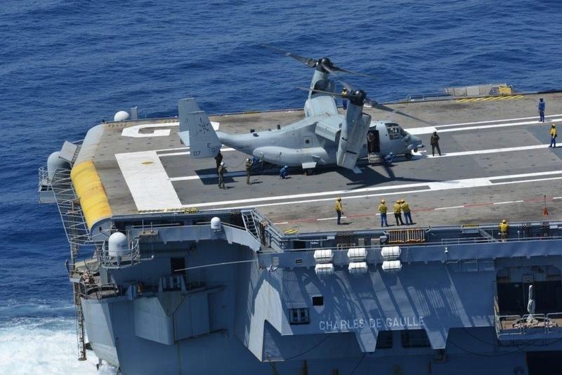 Le MV-22B Osprey teste sa capacité à opérer depuis le porte-avions Charles de Gaulle  Ob_8f810