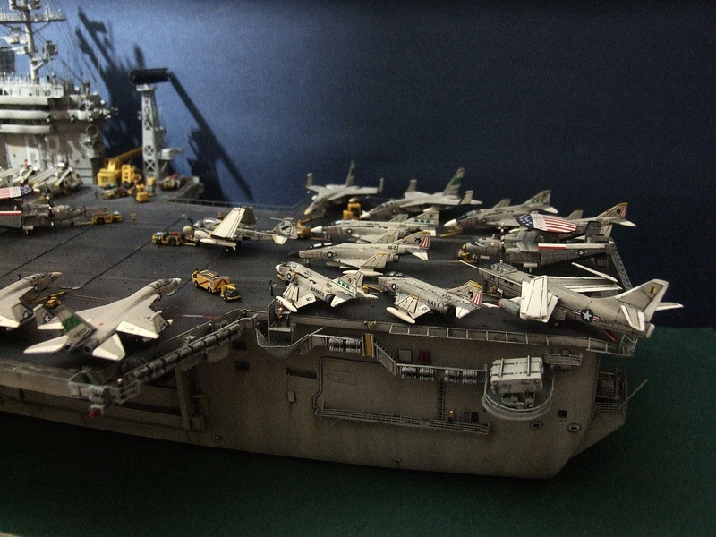 My new project..USS Nimitz CVN 68 1976  - Page 6 Dscf8615