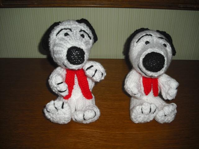 """Chiens """"Snoopy"""" en laine Dscf6610"""