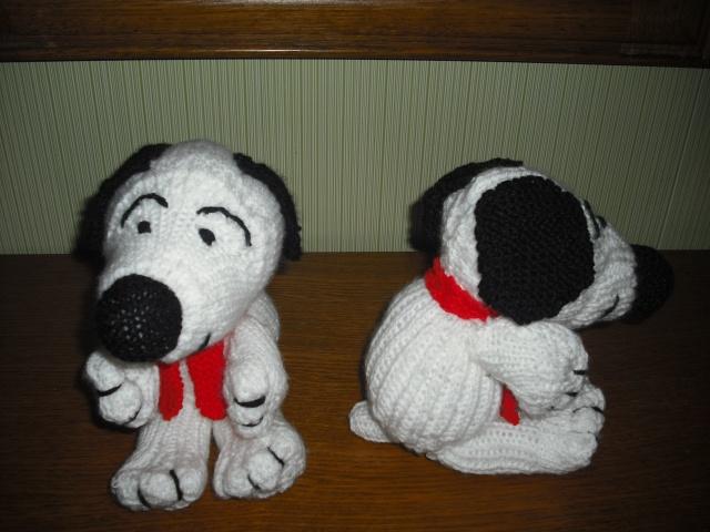 """Chiens """"Snoopy"""" en laine Dscf6611"""
