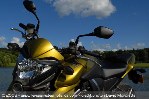 Dossier presse du CB1000R - Page 3 Honda-14