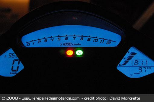 Dossier presse du CB1000R - Page 3 Honda-20