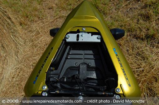 Dossier presse du CB1000R - Page 3 Honda-21