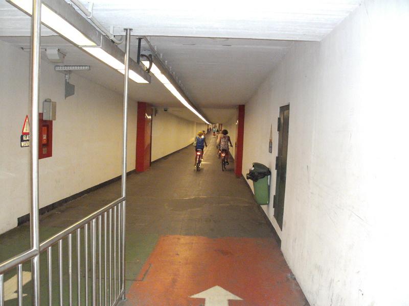 Kennedy-Fietstunnel [Antwerpen] 13c_tu10