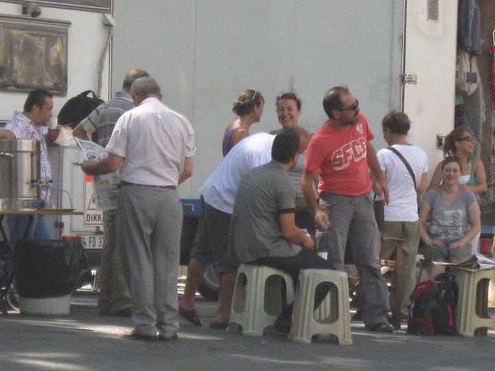 Gönülçelen - Pictures from  shooting , pictures with fans- poze de la filmari, poze cu fani - Pagina 3 41039_10