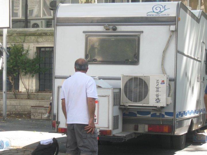 Gönülçelen - Pictures from  shooting , pictures with fans- poze de la filmari, poze cu fani - Pagina 3 41039_12
