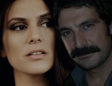 BITMEYEN ŞARKI- Cantec nesfarsit-(serial 2010)-Berguzar Korel & Bulent Inal Balksz11