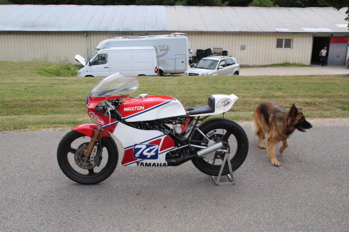Restauration ZXR750R  - Page 2 Img_0815