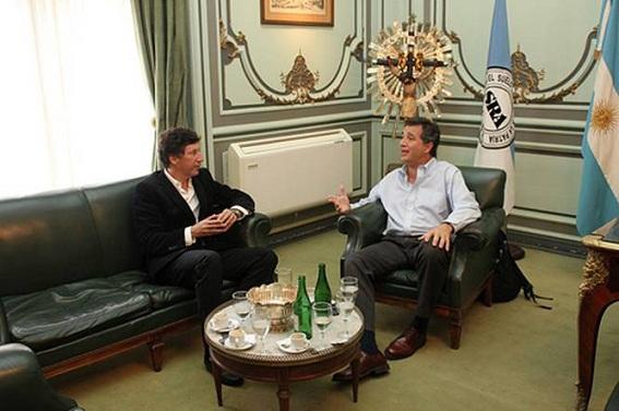 Gustavo Posse se reunió con el presidente de la Sociedad Rural 001156