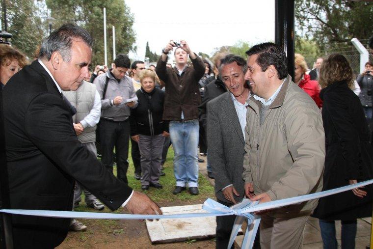 En Guaminí, la primera obra de agua de la Provincia con calefones solares domiciliarios. 001180