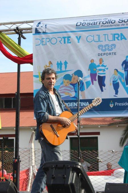 Escobar: sábado a puro sol, deporte y cultura. 00238