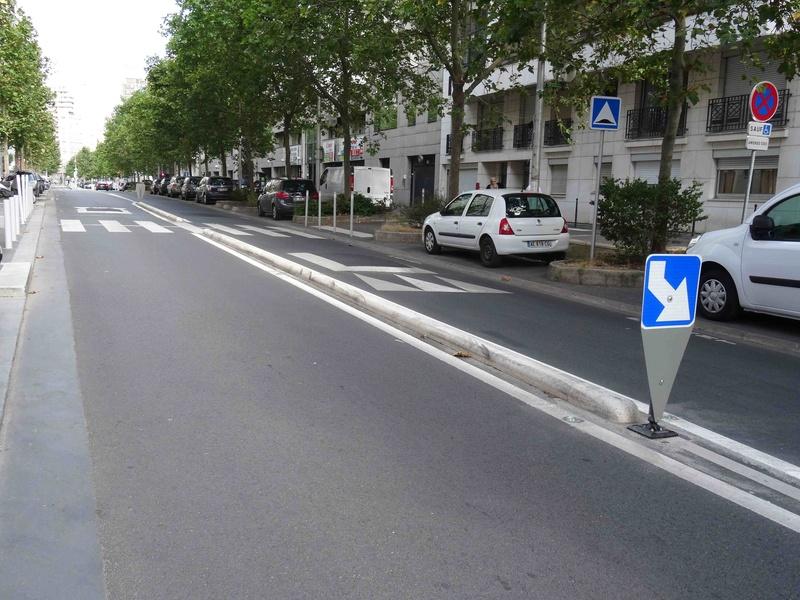 Rue Yves Kermen Dsc00449
